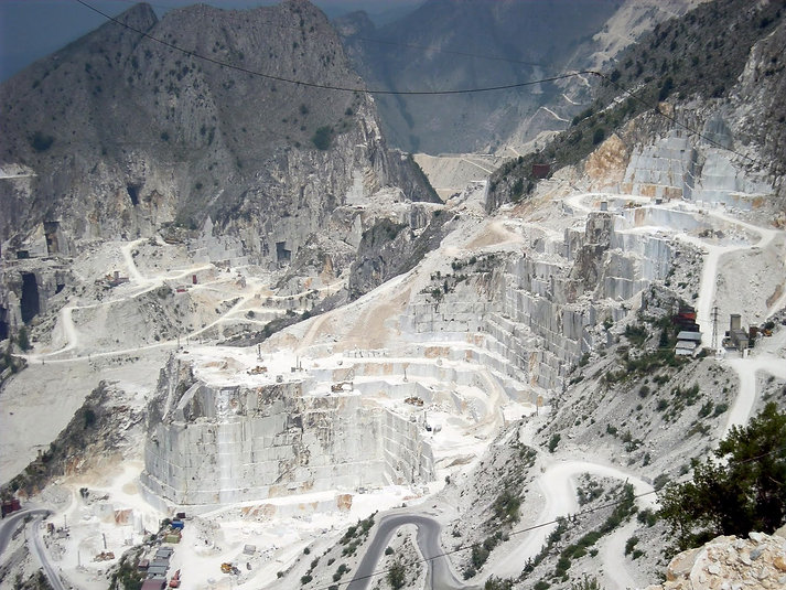 carrara-marble-fron-art-history-to-tooth