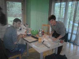 "Joan, Vincenzo, Luca un Yassin aktivitātes projektā ""For active youthn Rujiena"", Erasmu+"