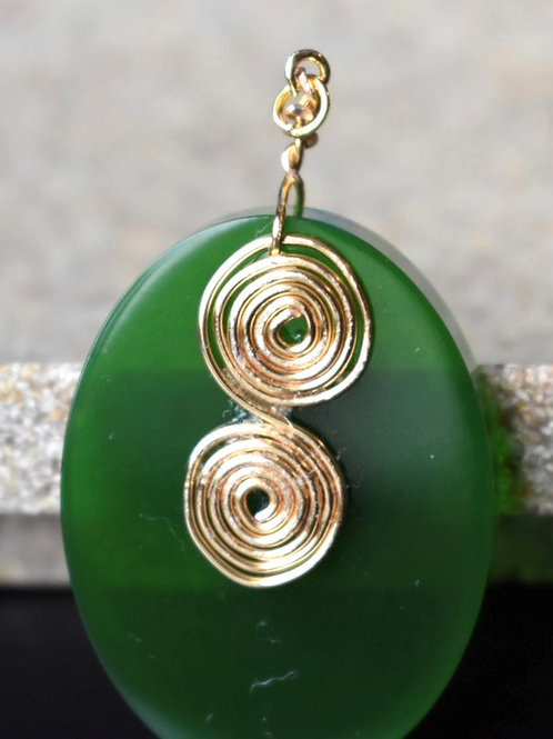 Celtic Green Oval Pendant front view
