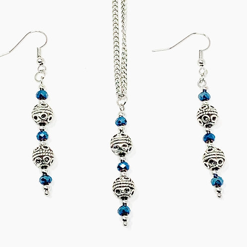 Blue Crystals and Metal Beads - Jewelry set - full set view