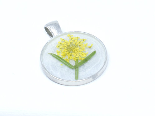 Real Flower in Resin Pendant front view