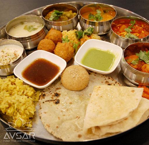 Avsar_Gujarati_Thali_Royal_1.jpg