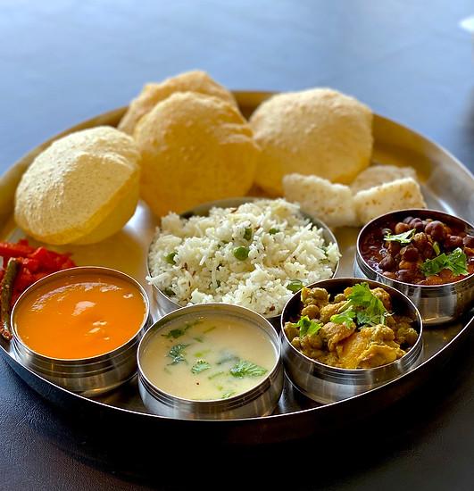 Quality Gujarati Tiffin Service