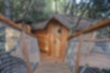Cabanes dans les arbres romantique pour des séjours en amoureux