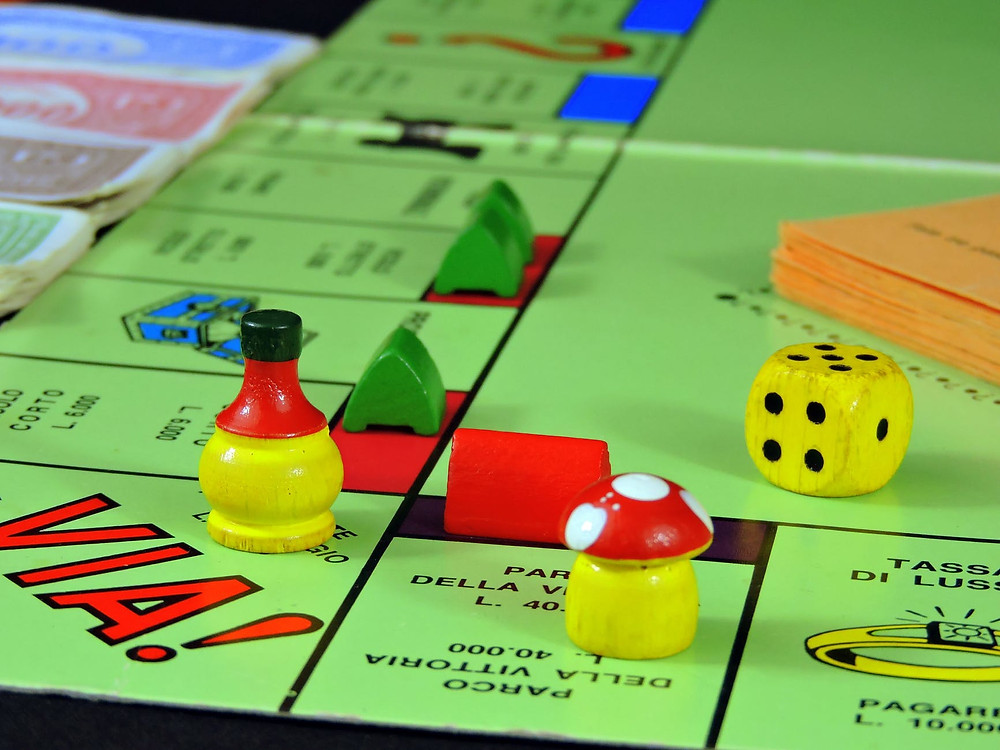 game nights to build employee engagement
