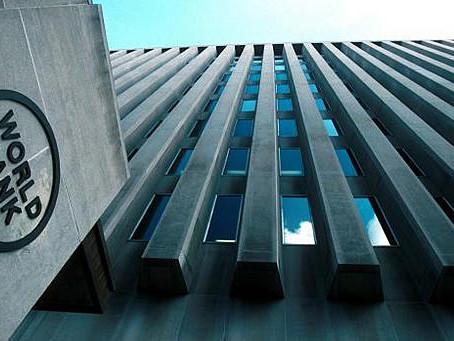 O Banco Mundial apercebe-se da chegada da crise da dívida externa