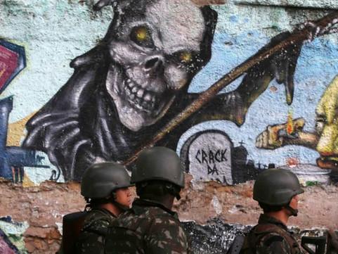 Rio: Pandemia, PM e milícias contra as favelas
