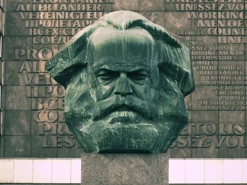 Marx e os coveiros do capitalismo