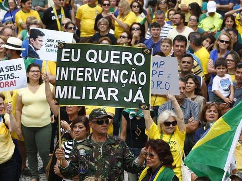 Bolsonaro e os Quartéis: a loucura com método
