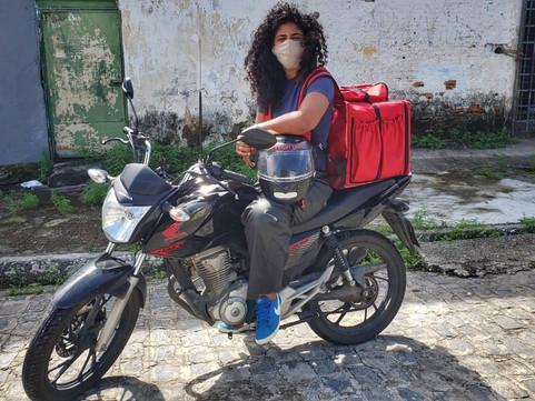 Ouvimos Pammela, líder d@s entregador@s do Recife