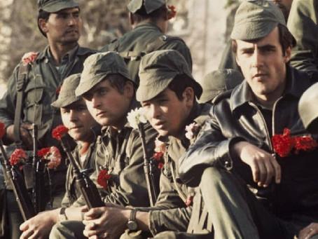 25 de Abril, A revolução solitária