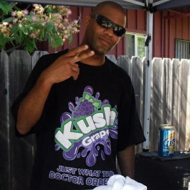 DJ BREEZE L broadcasting live from Modesto California 4 Flash's Birthday