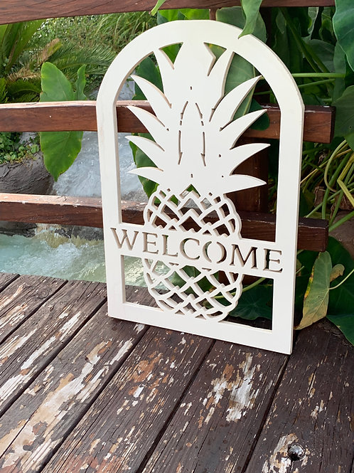 Welcome Pineapple sign