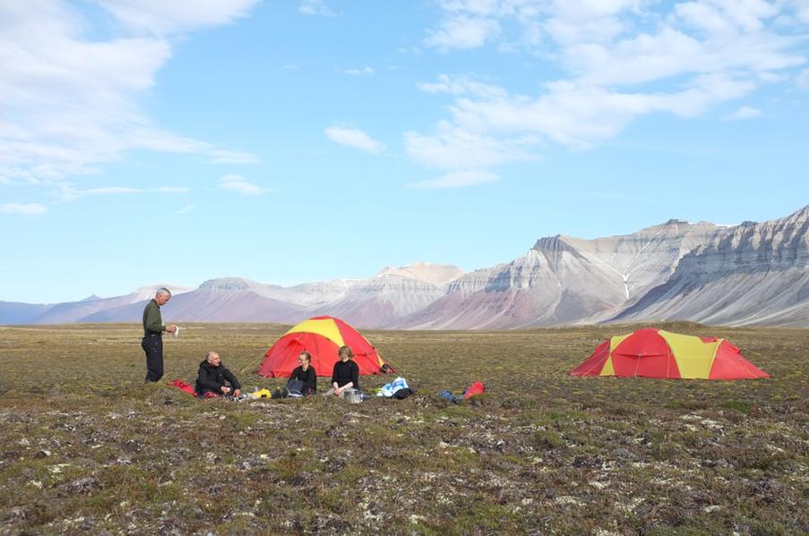 Camp i myk tundra