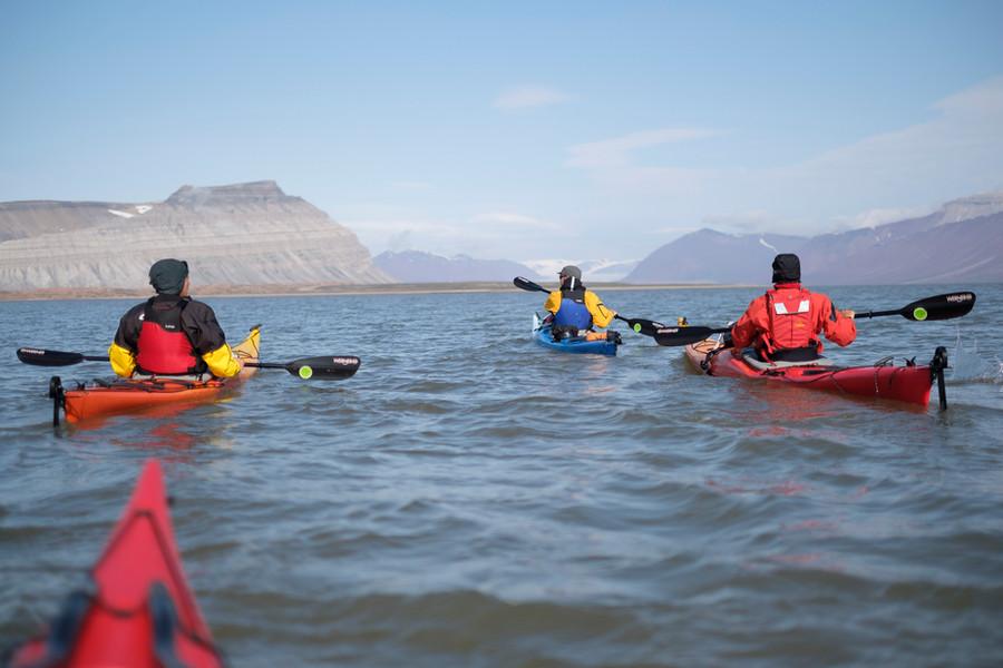 Røde fjell fra den tiden da Svalbard så ut som Sahara