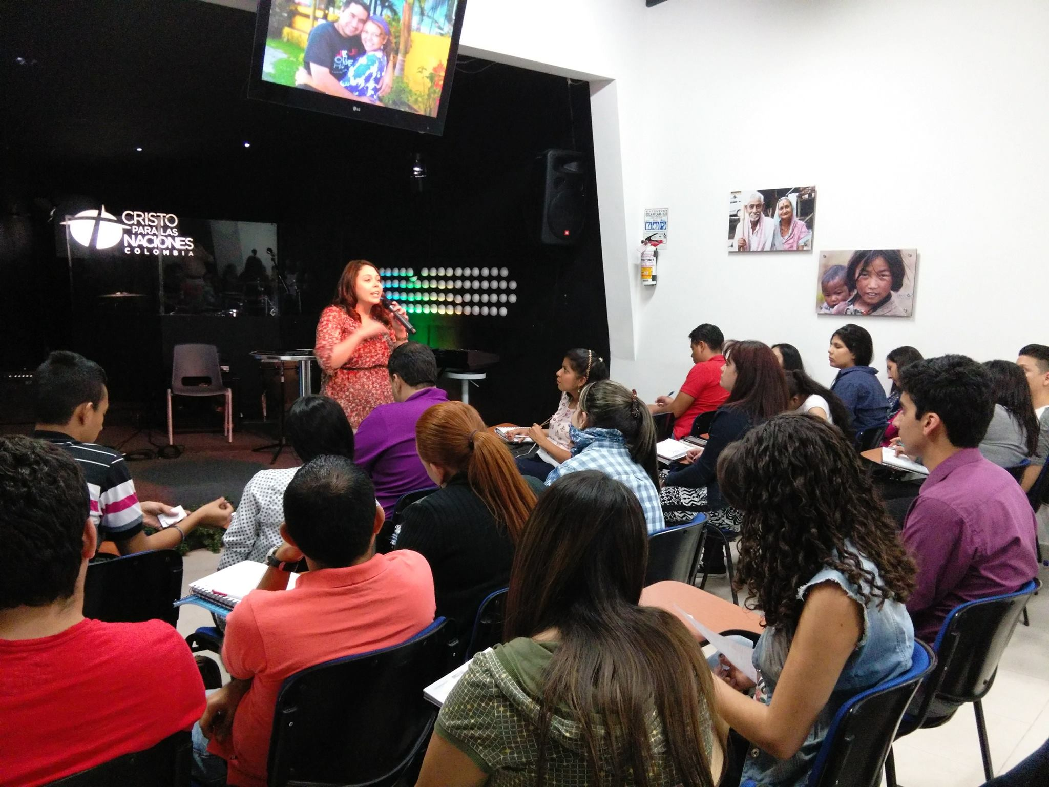 Janette Speaks in Colombia