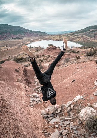 HANDSTAND CANYON