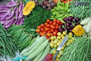 legumes,-marche,-tomates,-oignons,-pois-