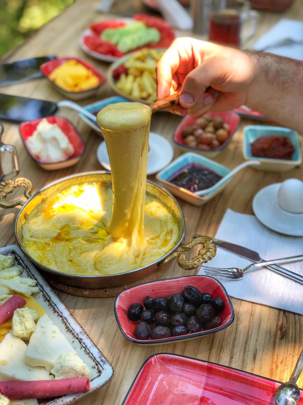 Kahvaltıda Muhlama keyfi