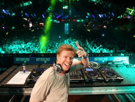 Ferry Corsten DJ'liği bıraktı.