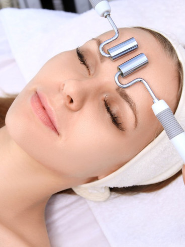 Microcurrent_Facial_Rejuvenation_Spatiqu