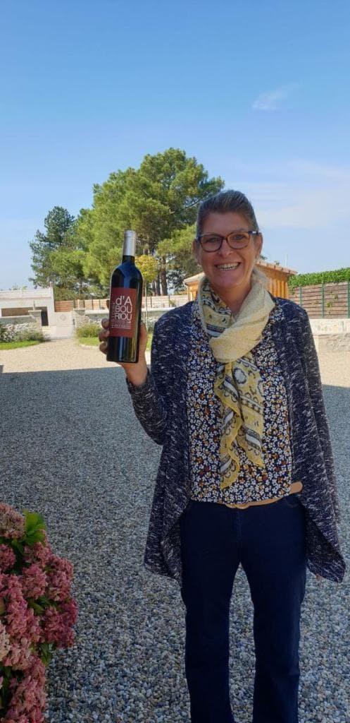 Valérie De Freitas est aussi œnologue. Elle propose des dégustations de vin au cours du séjour touritstique