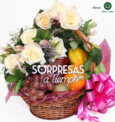 Canasta de rosas (R033-1)