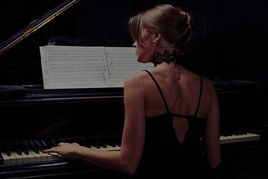 Piano%20Show_edited.jpg