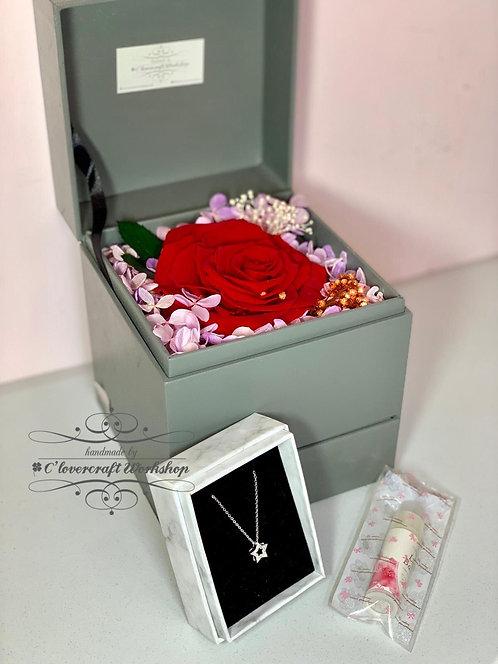 保鮮花首飾盒(送頸鍊+潤唇膏)