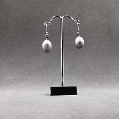 Drop pearl ear rings