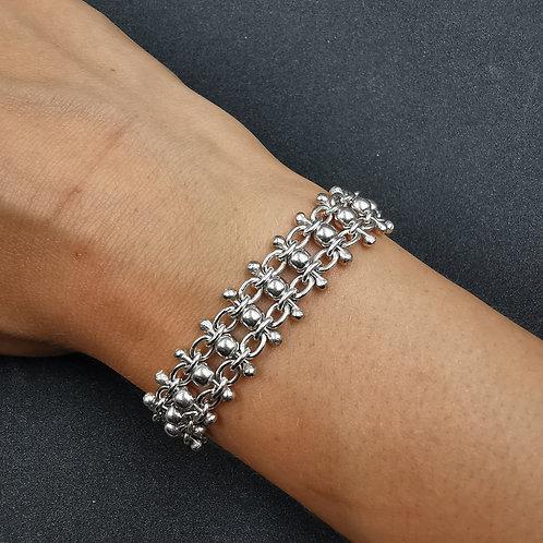 Detailed link bracelet