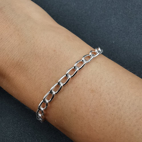 Traditional curb chain bracelet.
