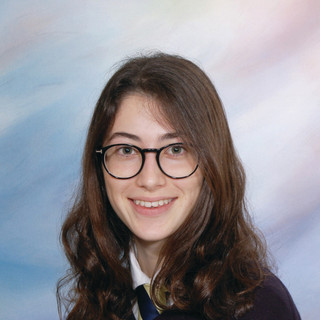 Bárbara Láinez Millán, IGCSE Student 10 A*/1 A grade