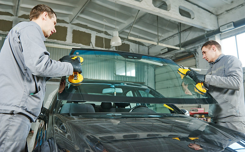 automobile windshield or windscreen replacement.jpg
