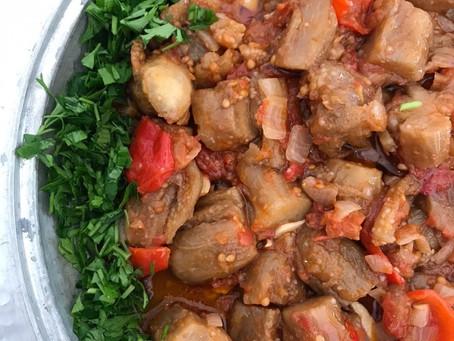Atıksız Mutfak Hikayeleri: Gülşen Sökmen ve Zeytinyağlı Patlıcan Pişmesi
