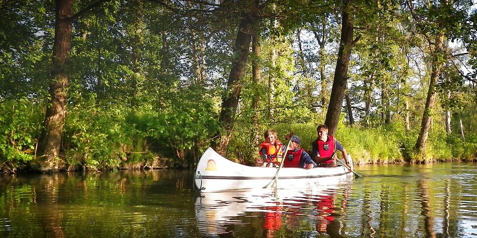 Vandra och paddla i inspirerande natur med guide.
