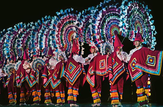 Danza de los Quetzales, México, 2012-de-Q
