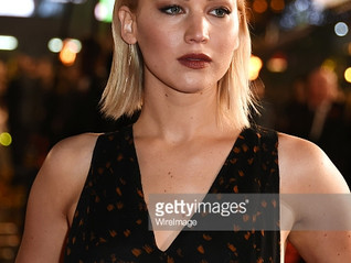 Here's the makeup that Jennifer Lawrence wore to the UK Premier of The Hunger Games Mockingjay P