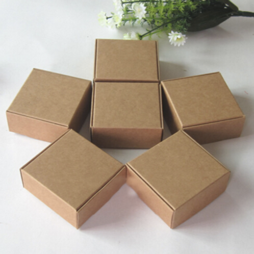 กล่อง กระดาจำนวน 100 ใบ