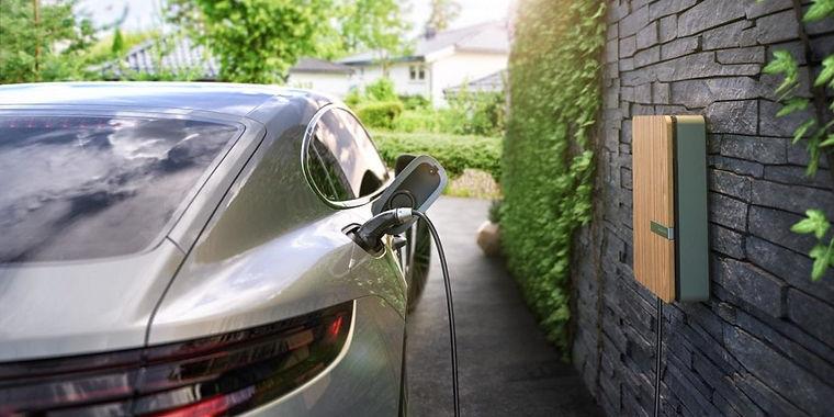 Silver Porsche 1280x640.jpg