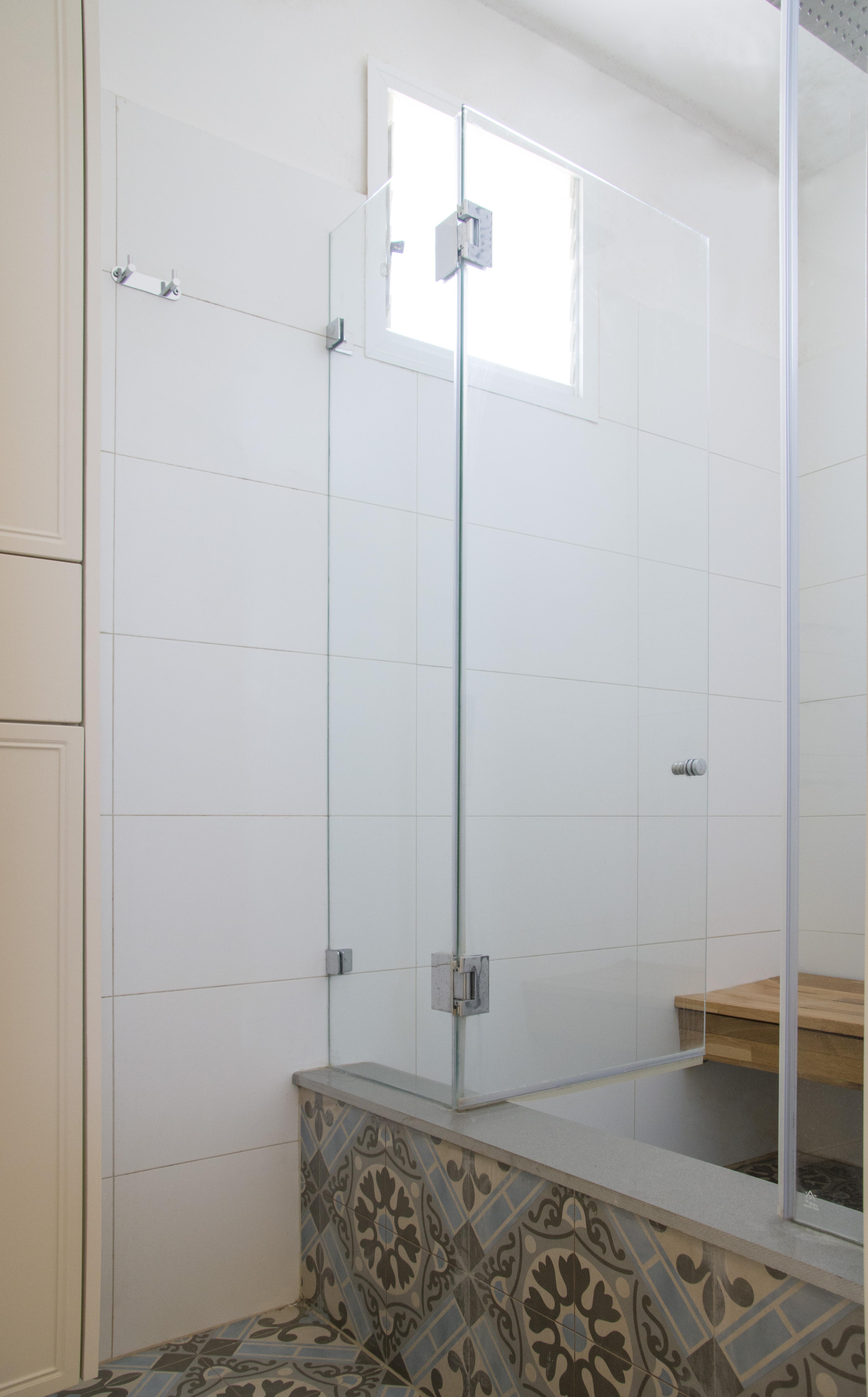 יחידת הורים מקלחת