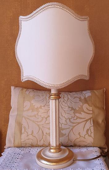 Lampada colonna classica