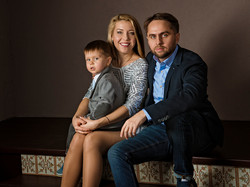 Семейная фотосессия в студии.