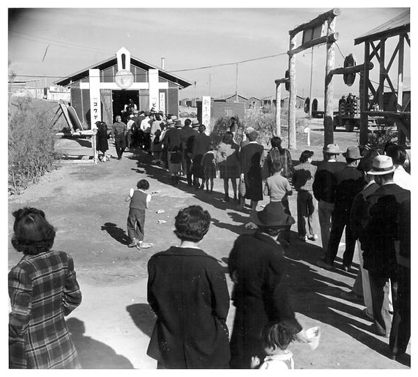 crowds entering New Years Day Ag exhibit