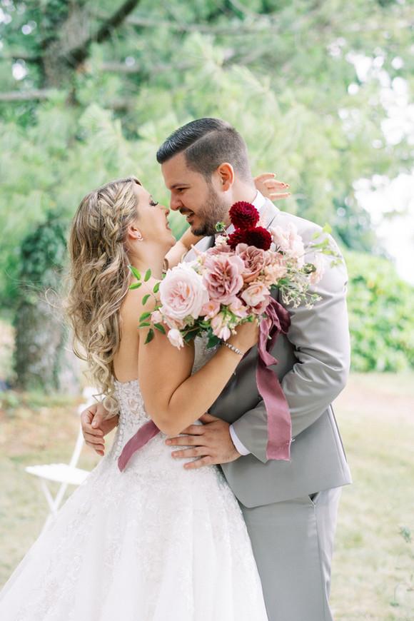 Bouquet de mariee avec des roses anciennes