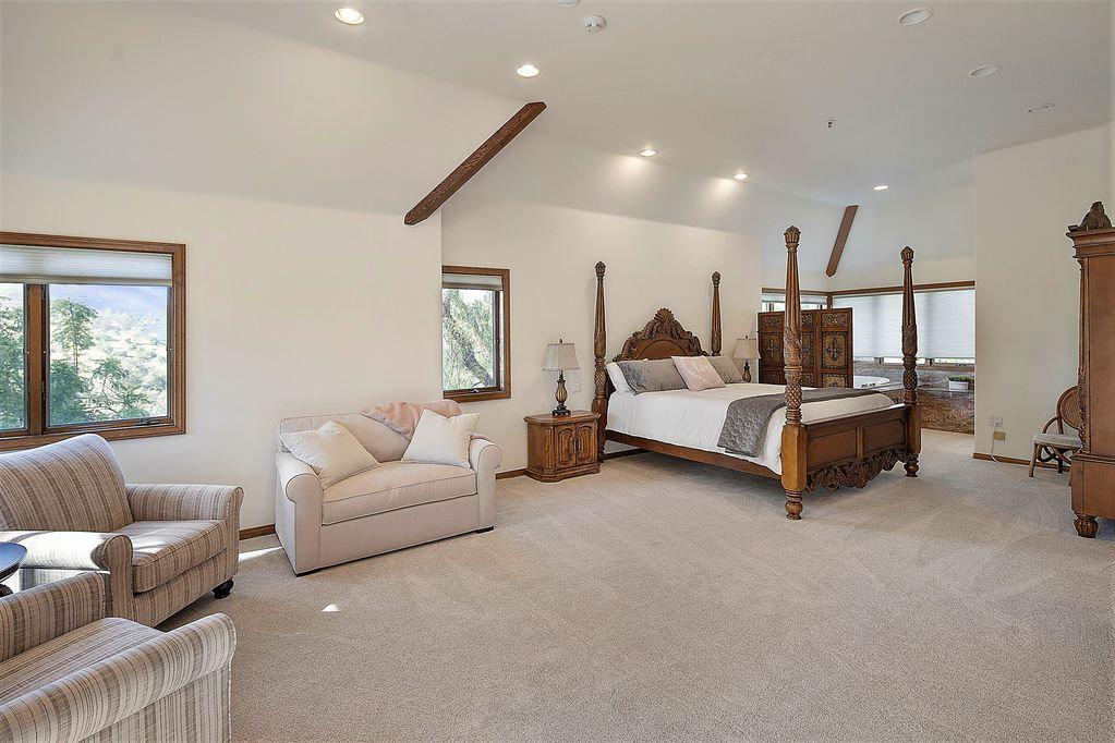 Semi Private Suite with Spa Bath