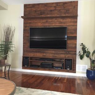 barnboard tv surround