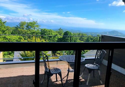 別荘の貸切 伊豆高原 海一望 ネオ・リゾートホーム遊方YUKATA  ベランダ