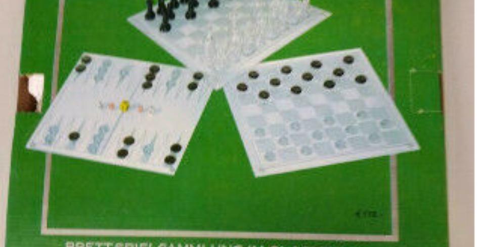 Schach/Dame/Backgammon, Glas, 62 Figuren, 4 Würfel, 1 Wahlwürfel