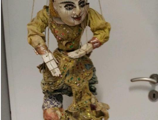 Marionette Birma-Tänzer